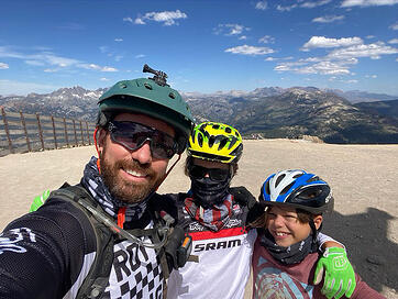 Kevin-Hertz-Biking-Family